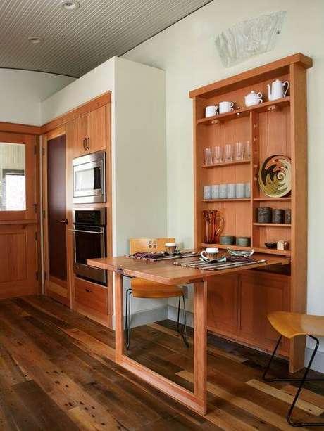 31. Mesa dobrável de parede de madeira para refeições rápidas e práticas