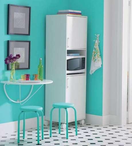 58. Mesa dobrável de parede para cozinha colorida e alegre