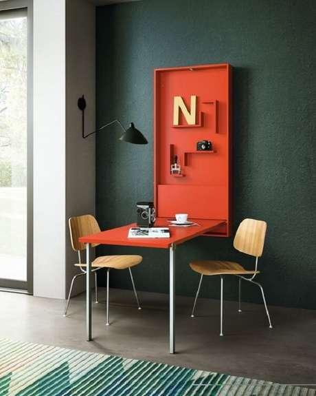 50. Mesa dobrável de parede vermelha para decorações modernas