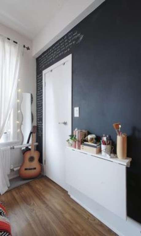 8. Mesa dobrável de parede funcional com prateleira