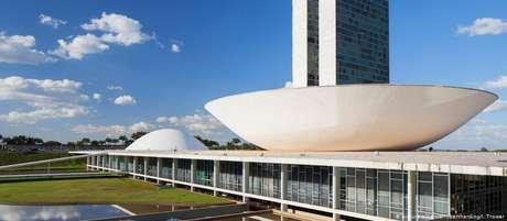 Governo Bolsonaro espera economizar cerca de 1 trilhão de reais nos próximos dez anos caso a reforma seja aprovada