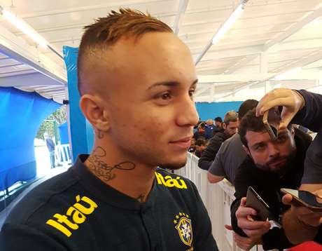 """Éverton, o Cebolinha: """"Tenho o DNA do futebol brasileiro"""""""