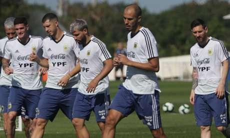Seleção argentina fará uma atividade na parte interna de seu hotel (Foto: Divulgação Twitter)