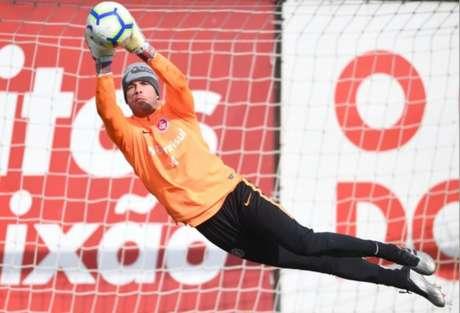 Marcelo Lomba em ação no treino desta quinta-feira (Ricardo Duarte/Internacional)