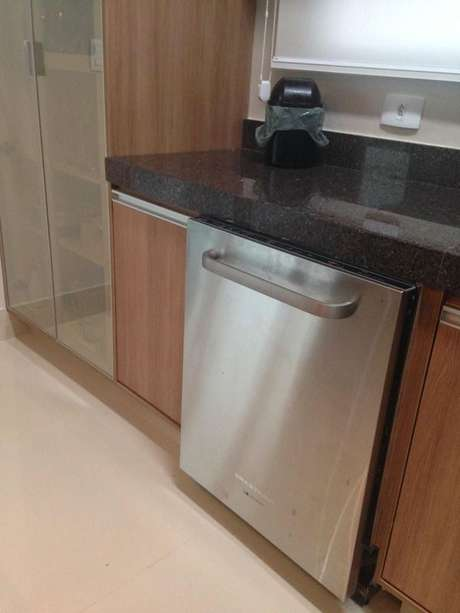 6. Alguns eletrodomésticos para cozinha podem ser embutidos. Projeto por: Mariana Arnellas