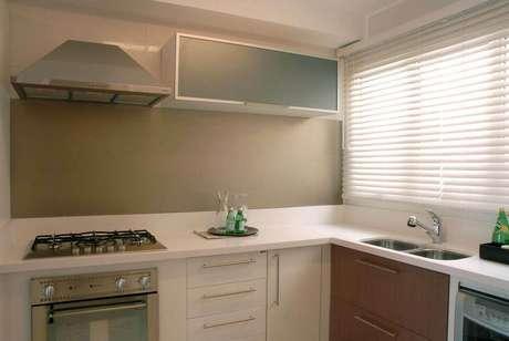 12. A coifa é um dos eletrodomésticos para cozinha mais alternativos. Projeto por: Teresinha Nigri