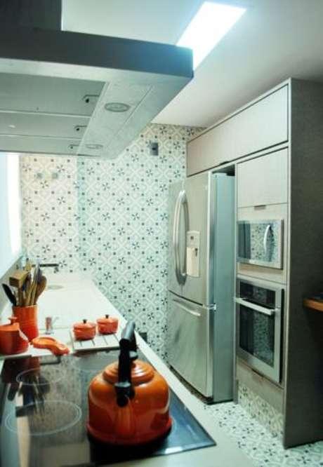 23. Eletrodomésticos para cozinha são a alma do cômodo. Projeto por: Ticiana Toniolo