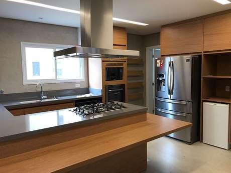 29. Alguns eletrodomésticos para cozinha são mais essenciais que outros. Projeto por: Ark2 Arquitetura