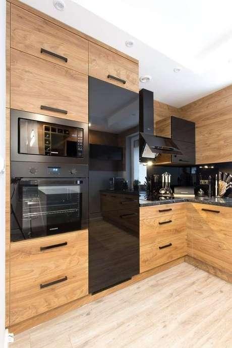 33. Às vezes apenas alguns eletrodomésticos para cozinha são necessários. Foto: Pinterest