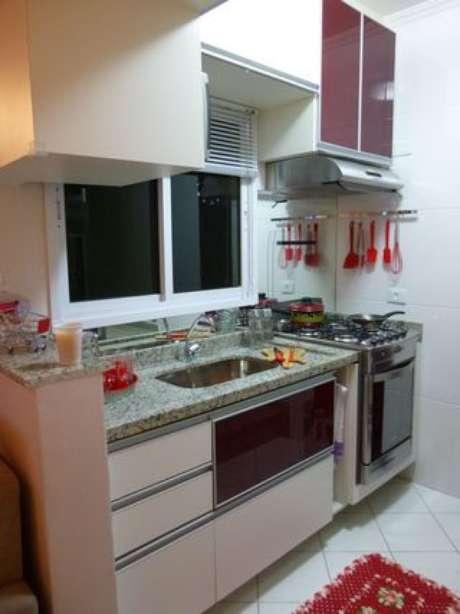 4. Além dos eletrodomésticos para cozinha, alguns outros itens são necessários. Projeto por: Thomas Barros
