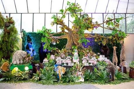 19. Uma floresta na decoração de temas de festa infantil Safári – Por: Andrea Guimarães