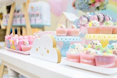 34. Temas de festa infantil chuva de amor com muitos doces – Por: Pinterest
