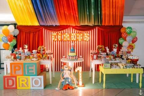 21. Os temas de festa infantil circo ficam ainda mais bonito com decorações criativas – Por: Lápis de mãe