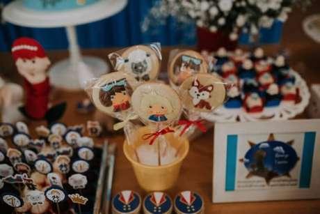 11. Temas de festa infantil com doces personalizados – Foto: Bruna Grillo