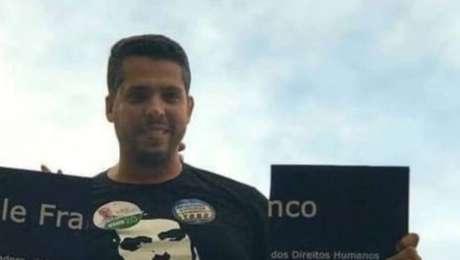 Rodrigo Amorim durante campanha eleitoral de 2018; ele foi um dos candidatos do PSL que quebraram placa em homenagem a Marielle
