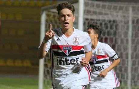 João Adriano foi o autor do gol que empatou o jogo aos 48 minutos da etapa final (Foto: Igor Amorim/saopaulofc.net)