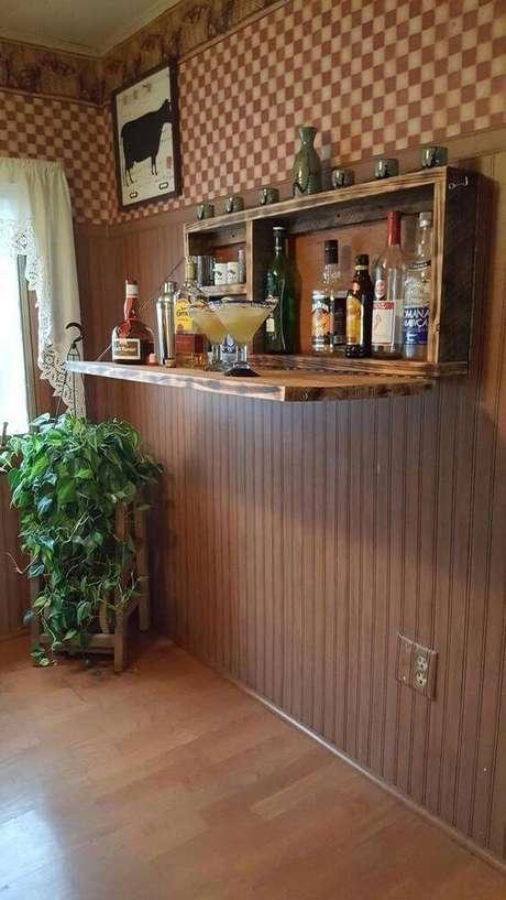 37. Adega suspensa com apoio para fazer drinks quentes – Por: Pinterest