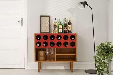 9. Adega de madeira retrô para ambientes modernos – Por: Pinterest