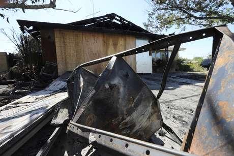 Casa na Califórnia pegou fogo após terremoto