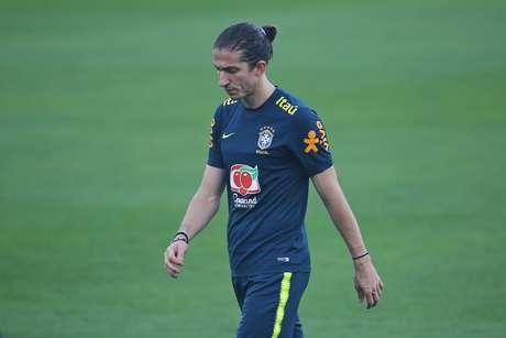 Filipe Luis durante treino da seleção brasileira de futebol no Centro de Treinamento do Atlético Mineiro, em Vespasiano (MG)