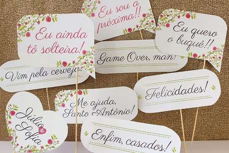 63. Plaquinhas de casamento criativas para o momento da balada. Fonte: Pinterest