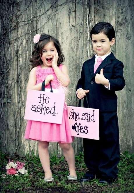 27. Plaquinhas de casamento criativas para o momento do sim. Fonte: Pinterest