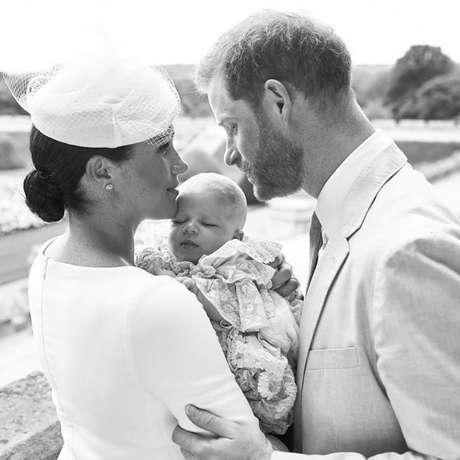 Archie, filho de Harry e Meghan, é batizado