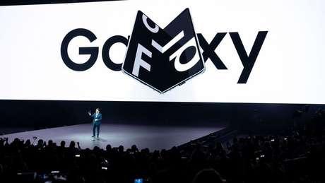 O celular dobrável Galaxy Fold é um exemplo da inovação da Samsung