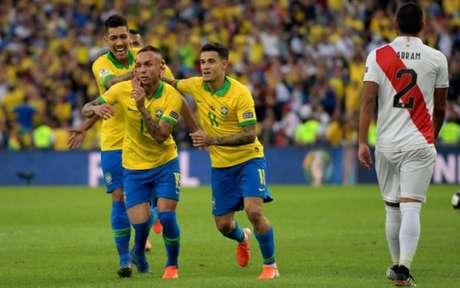 Everton foi artilheiro da Copa América, com três gols (Foto: CARL DE SOUZA / AFP)