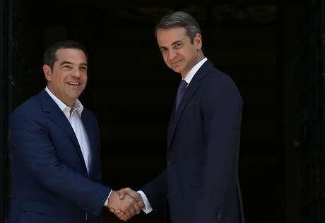 Novo premiê da Grécia, Kyriakos Mitsotakis, se encontra com premiê que deixa o cargo, Alexis Tsipras, em Atenas 08/07/2019 REUTERS/Costas Baltas