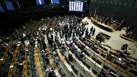 Câmara dos Deputados deve iniciar nesta terça votação da proposta