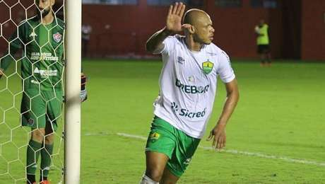 Cuiabá derrota o Vitória e aumenta a crise do rival