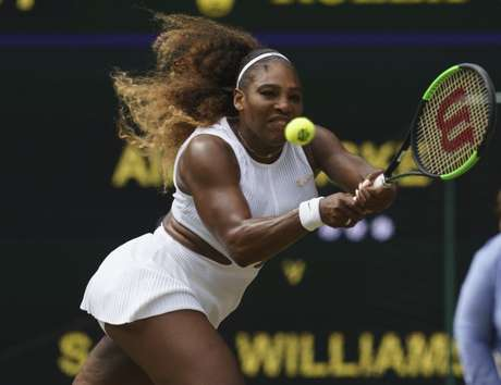 Serena Williams em partida contra Alison Riske em Wimbledon 09/07/2019 Susan Mullane-USA TODAY Sports
