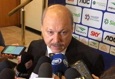 Peres desabafou sobre alguns assuntos do Santos nesta terça-feira (Thiago Ferri)