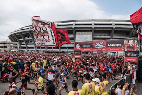 Largada da corrida Nação Rubro-Negra em Movimento, no Maracanã, em 2018 (Divulgação)