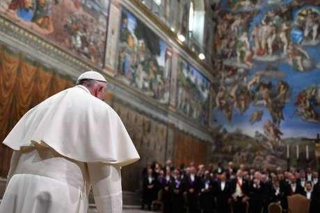 Papa Francisco durante cerimônia na Capela Sistina