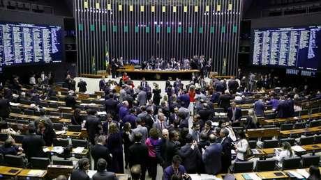 Câmara durante a discussão sobre a reforma da Previdência, na terça (9/7); por se tratar de emenda constitucional, texto precisa passar por duas votações nas duas casas legislativas