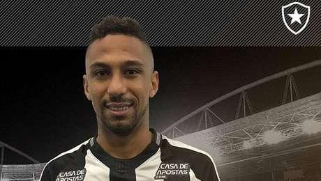 Botafogo confirma contratação de Biro Biro