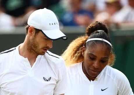 Andy Murray e Serena Williams foram derrotados em Wimbledon