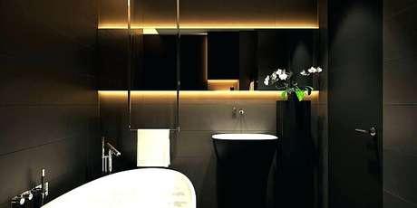 12. A decoração desse ambiente foi realçada com a iluminação na cor dourada. Fonte: Pinterest