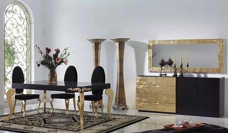 14. A técnicadourada é uma das mais antigas na decoração de madeira. Fonte: Pinterest