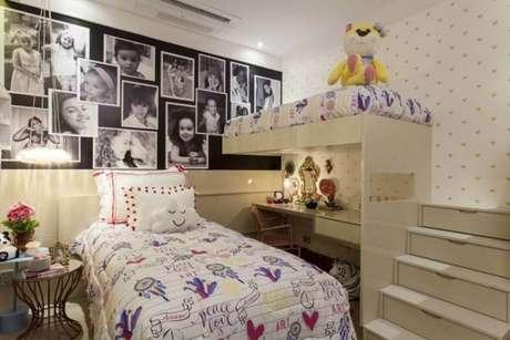 14. Cama infantil na decoração de quarto de menina com escrivaninha – Por: Casa Cor Bahia