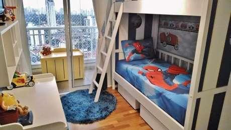 37. Cama infantil com tema do homem aranha – Por: Patricia Aguiar Gustavo Petina