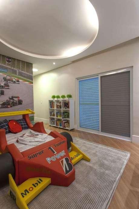 56. Cama infantil carros para quarto de menino personalizado – Por: Iara Kilaris