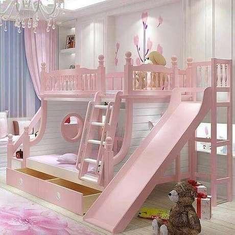 59. Cama infantil com escorregador para quarto de menina – Por: Pinterest