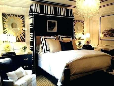 30. Preto e dourado para a decoração do quarto de casal. Fonte: Pinterest