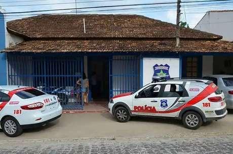 Polícia Civil cumpriu mandado de prisão contra o homem acusado de esfaquear a ex-companheira na perna direita, no peito e no tórax