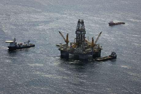 Plataforma de petróleo na área norte-americana do Golfo do México  23/07/2010 REUTERS/Lee Celano