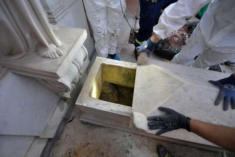 Túmulo de duas princesas no Vaticano é reaberto em busca por jovem desaparecida