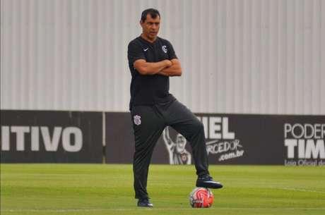 Carille está pressionado por conta do bom momento instável do Corinthians (Foto: Antônio Cicero/Photo Press)
